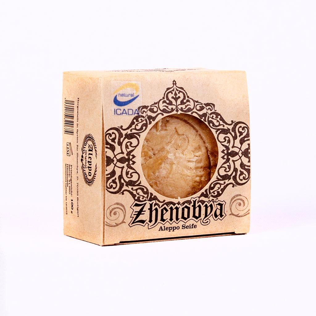 Eine traditionelle Bioseife aus rein pflanzlichen Rohstoffen, in Syrien per Handarbeit hergestellt.