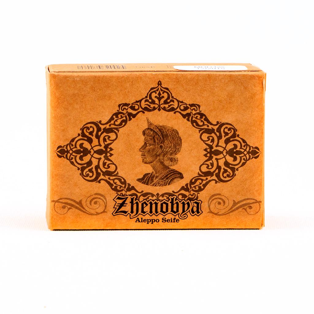 Eine Seife mit dem Bildnis der Königin Zhenobya und Arabesken.