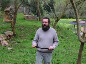 Eschen-Manna Produzent mit typischem Werkzeug, Sizilien, Italien