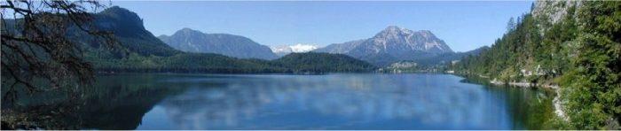 Der Altausseer See im Salzkammergut in den Österreichischen Alpen, der Usprungsort von gutem Steinsalz bzw. Bergsalz in Feinschmecker Qualität.