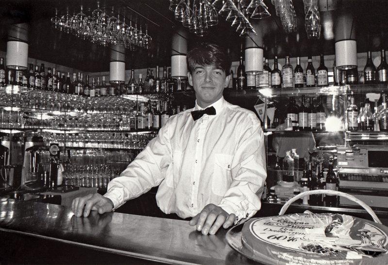 Bartender in einer Bar in Schweden