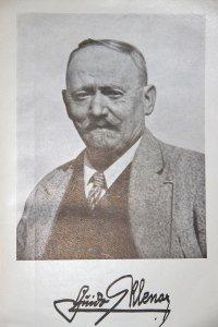 Portraits eines Imkermeisters.